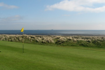 Most of the front nine at Laytown and Bettystown Golf Club gives wide views of the Irish Sea.