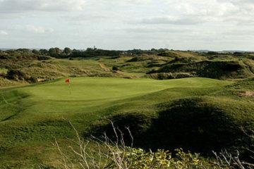 Burnham & Berrow Golf Club boasts a 19th-century Championship Course designed by Herbert Fowler, Harry Colt and Alister MacKenzie.