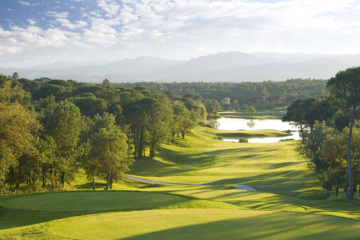 Fabulous views and wonderful greens are trademarks of PGA Catalunya's Stadium Course.