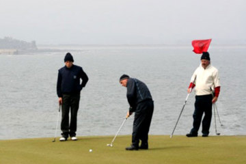 It's important to receive putting instruction both on the practice green and during a practice round.