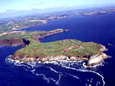 Situated on a Cork coast promontory, Old Head GolfLinks rises dramatically out of the Atlantic.