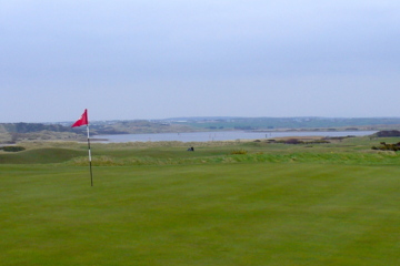 The green of the 523-yard third hole at Castlerock Golf Club's Mussenden Course is wide and inviting.