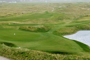 The par-3 seventh on Ballyliffin's Glashedy Links features is an unusually steep drop for links golf.