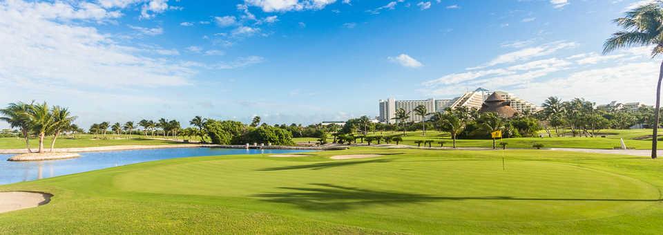 Iberostar Cancun GC: 18th green