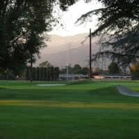 Glen Oaks Golf & Racquet Club